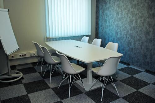 Conference Room - Biuro na Minuty - Serviced Office - Warsaw