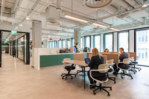Coworking Desk - Regus Park Avenue - Serviced Office - Warsaw