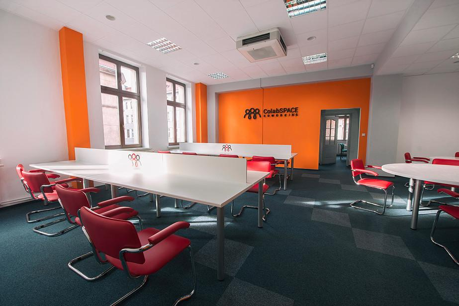 Coworking Desk - ColabSPACE Coworking - Coworking Space - Gliwice