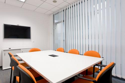 Conference Room - OmniOffice Saski Point - Fully Serviced Office - Warszawa