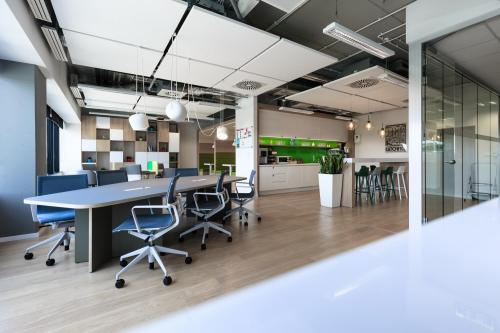 Coworking Desk - Regus Silesia Business Park - Serviced Office - Katowice