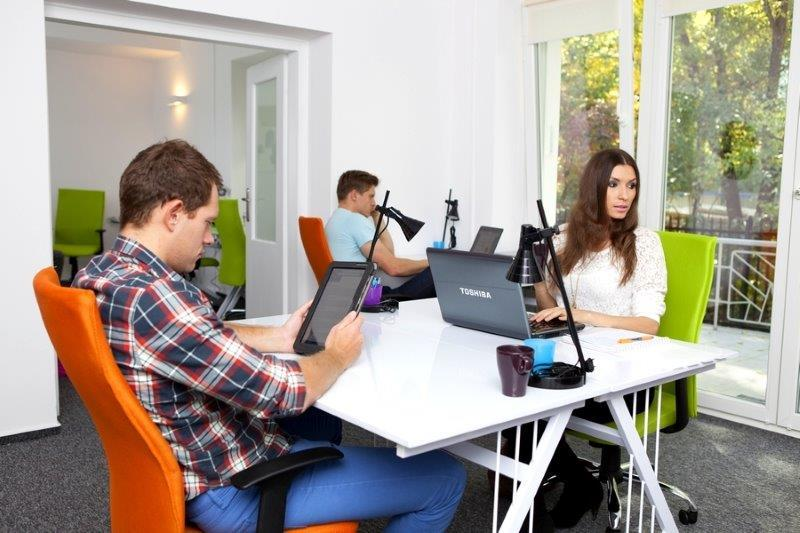 Coworking Desk - HUBKolektyw - coworking & business - Fully Serviced Office - Warszawa