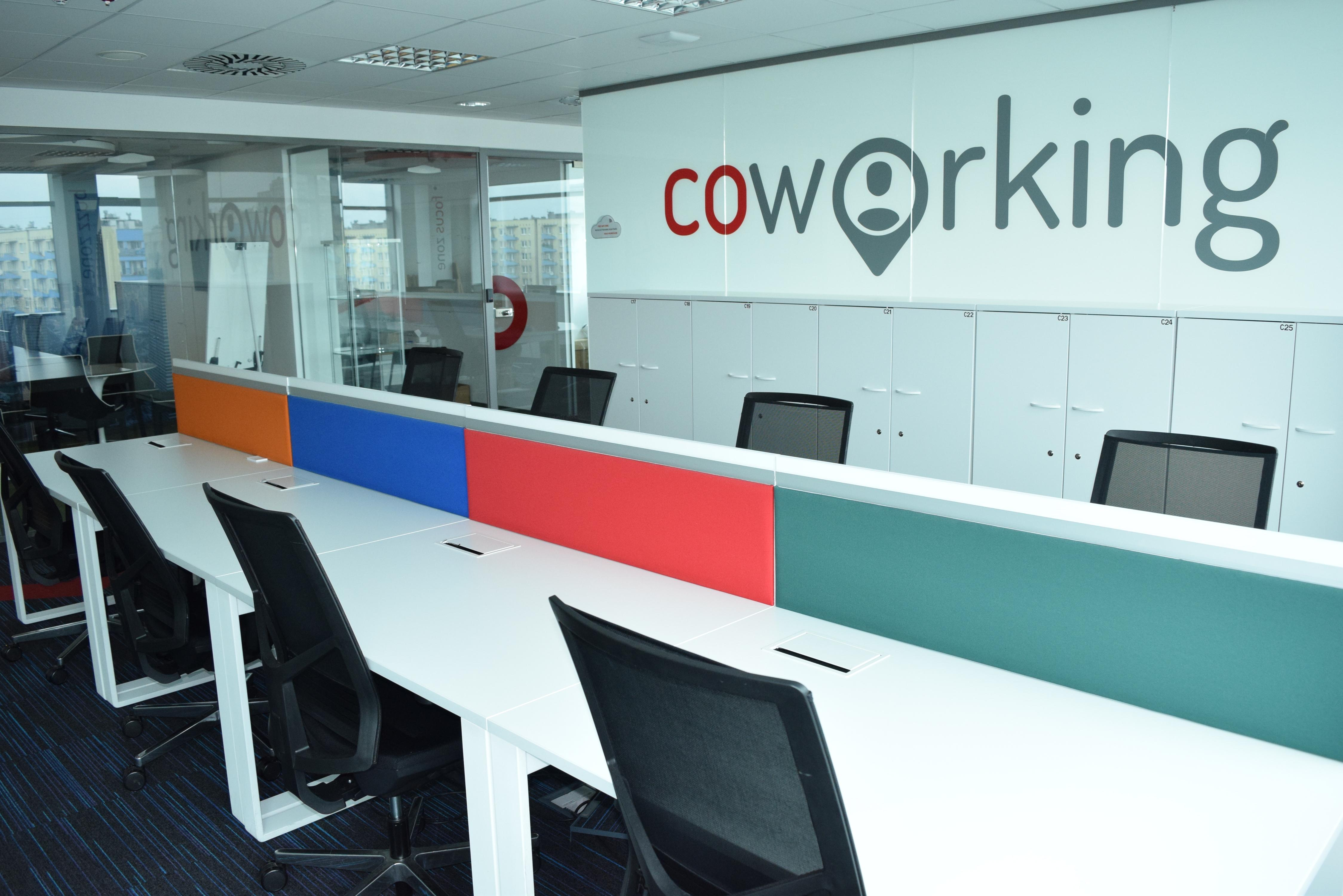 Coworking Desk - Business Link Katowice - Coworking Space - Katowice