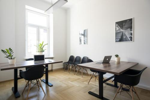 Coworking Desk - Central Warsaw Coworking - Coworking Space - Warsaw